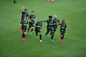 América vence o Cruzeiro de 3 a 1 e vai a final do Mineiro