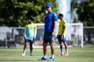 Cruzeiro faz jogos treinos neste sábado