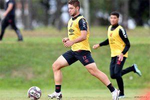 Cruzeiro se aproxima de contratação de jogador do Athletico/PR