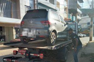 Carro clonado, armas apreendidas e autores presos pela PM