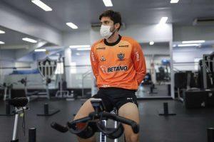 Igor Rabello testa positivo para COVID-19 e vira desfalque no Atlético