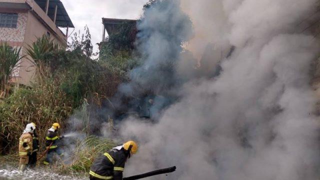Incêndio consome depósito de construção civil no bairro São Jorge