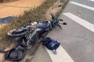 Homem morre ao ter moto atingida por caminhão em Santa Bárbara do Leste