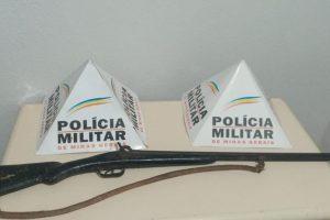 Operação Alferes da PM: Traficante preso; Moto recuperada; Arma e simulacro apreendidos