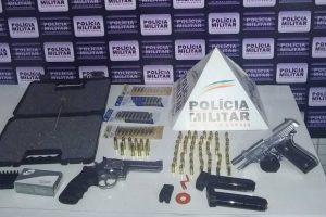 PM de Santa Bárbara do Leste apreende armas e munições