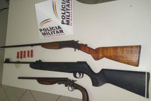 PM apreende armas, drogas e dinheiro falso
