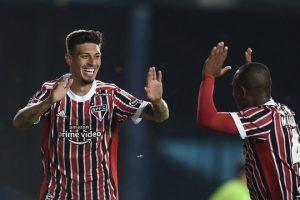 São Paulo vence e segue na Libertadores; Furacão goleia na Sulamericana; Boston joga hoje no JK