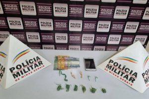 Plantão da PM: Carro recuperado, armas e drogas apreendidas