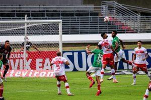 Cruzeiro fica no empate sem gols com o CRB