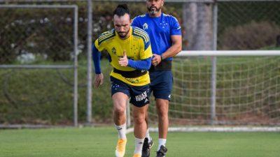 Atacante Keké é a novidade na reapresentação do Cruzeiro