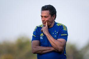 Luxa segue treinando o time para confronto com o líder Coritiba