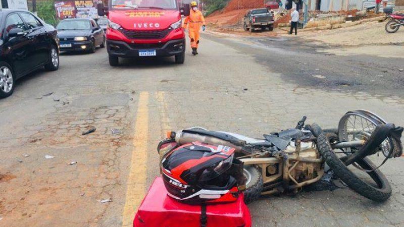 Motociclista sofre acidente na BR 262 em Manhuaçu